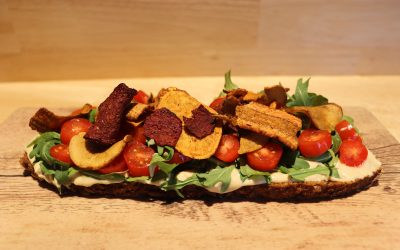 Humus Gemüsechips Stulle (vegan)